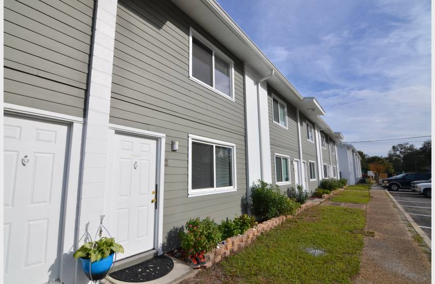 Apartments Near JU Tree Hill Apartments for Jacksonville University Students in Jacksonville, FL
