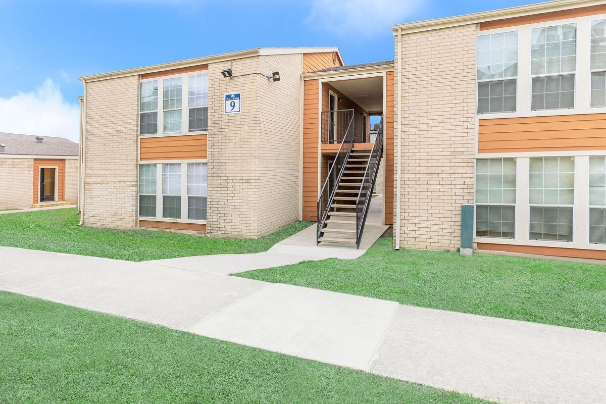 Hilltop Oaks Apartments for rent