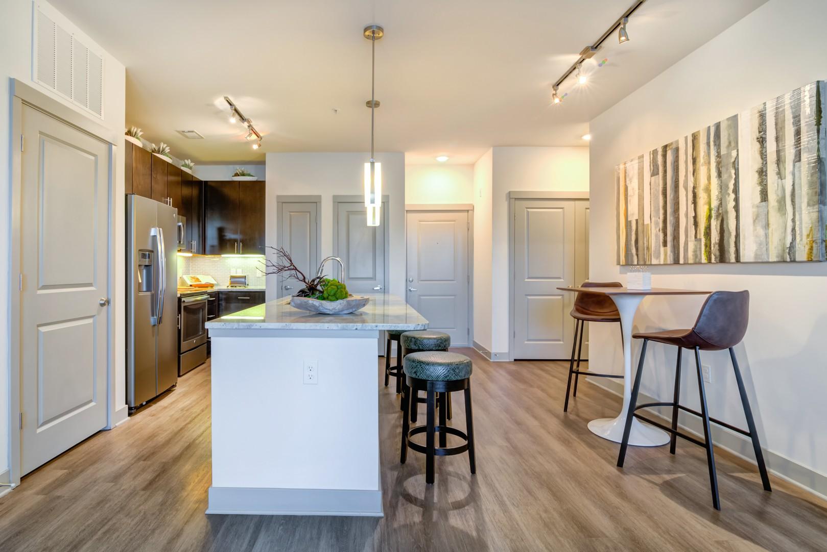 Apartments Near Vanderbilt Carillon for Vanderbilt University Students in Nashville, TN