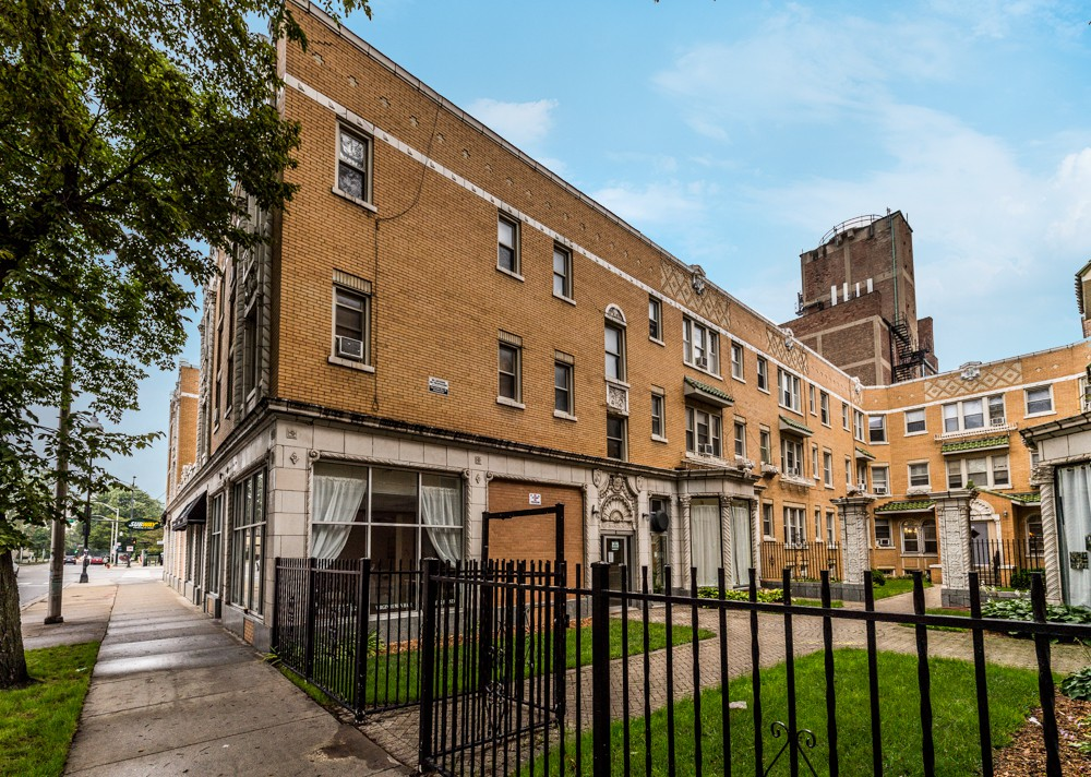 5957 W Madison Street - Pangea Apartments for rent