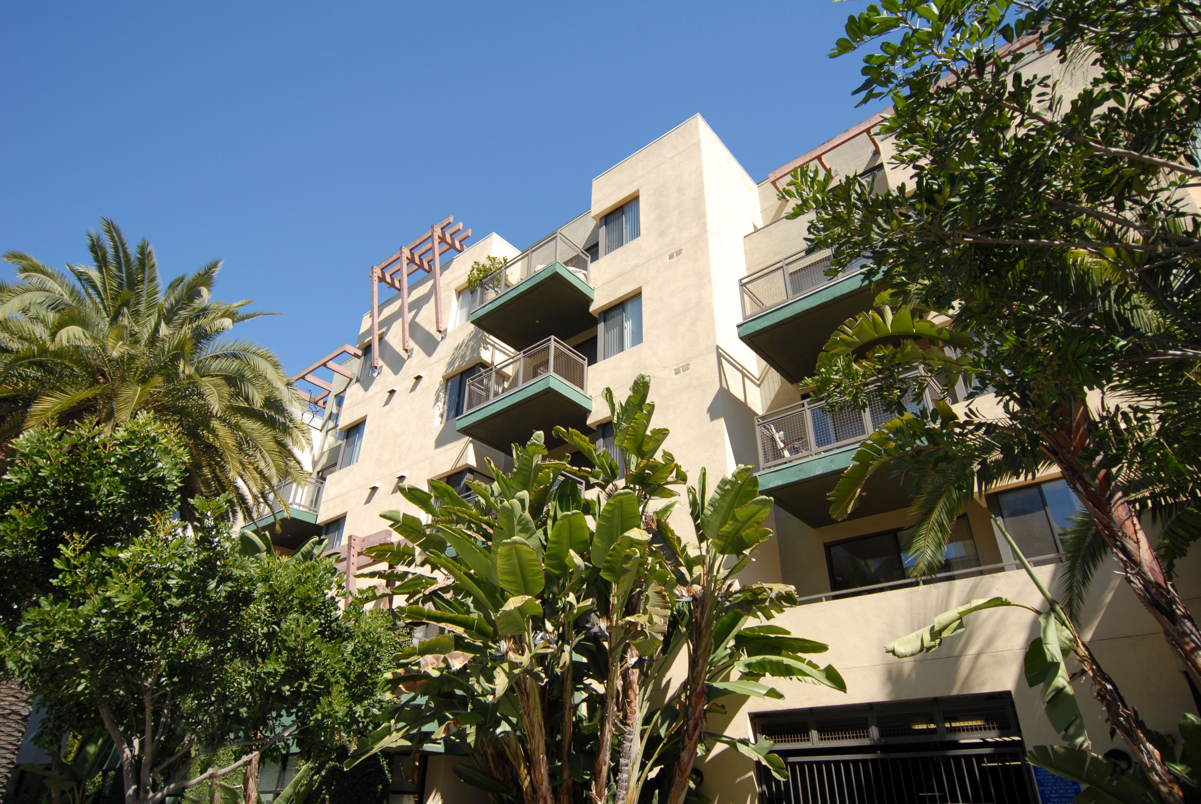 Apartments Near UCLA Living at Santa Monica for University of California - Los Angeles Students in Los Angeles, CA