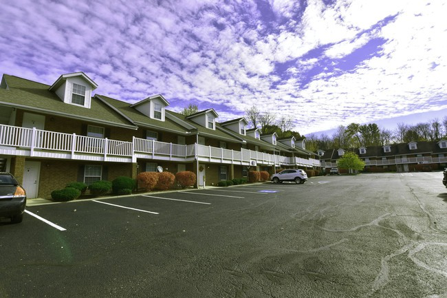 Tallmadge Pointe - Great for Students for rent
