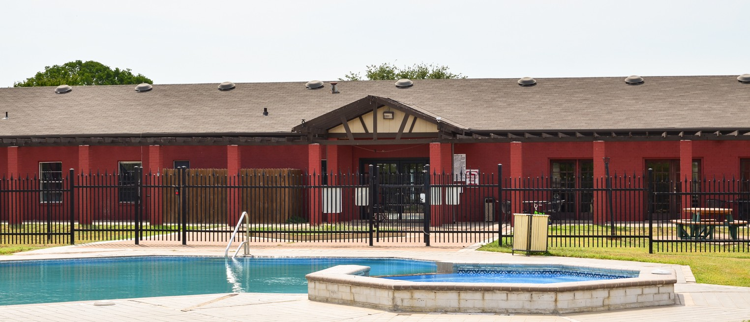 Apartments Near MCC Circle @ 1800 for McLennan Community College Students in Waco, TX