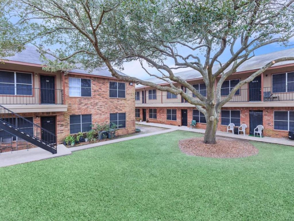 Oaks at Mustang for rent
