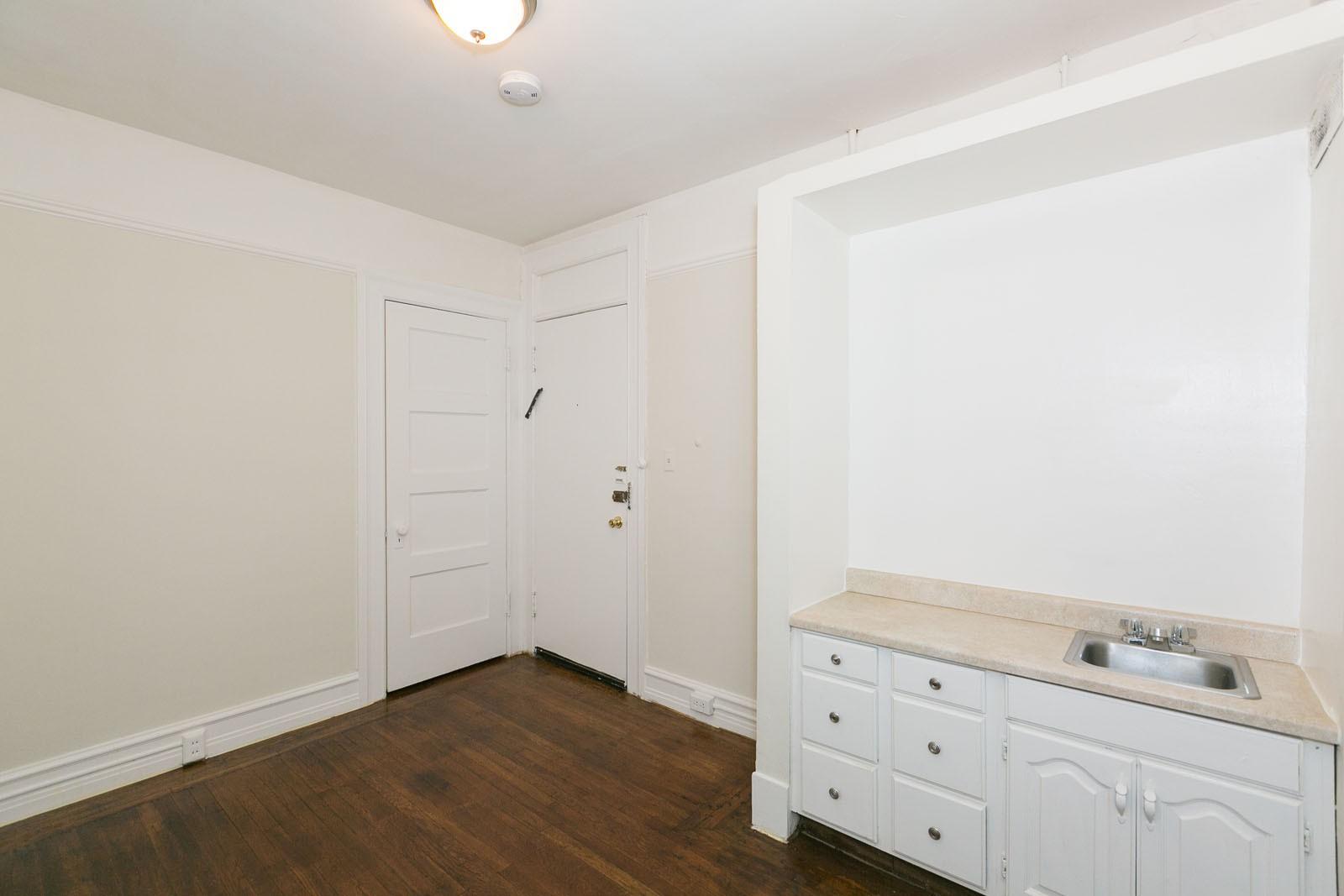 698 BUSH Apartments for rent
