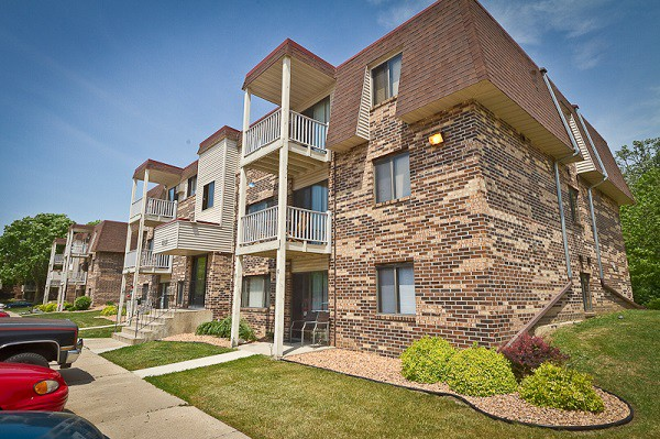 Apartments Near St. Olaf Summerfield for St. Olaf College Students in Northfield, MN