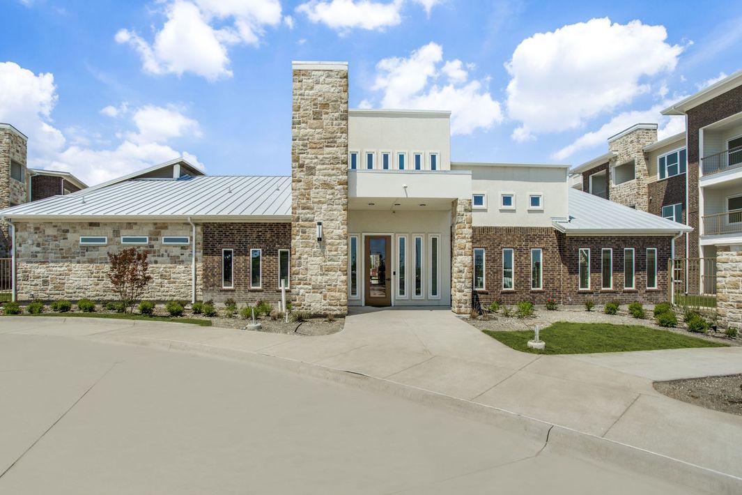 Apartments Near SAGU Palladium Glenn Heights for Southwestern Assemblies of God University Students in Waxahachie, TX