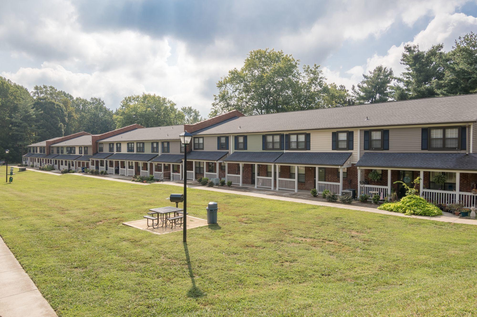 Apartments Near Winston Salem Glendare Park for Winston Salem Students in Winston Salem, NC