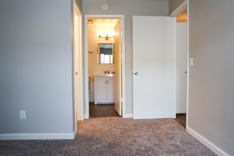 Sierra Ridge Apartments
