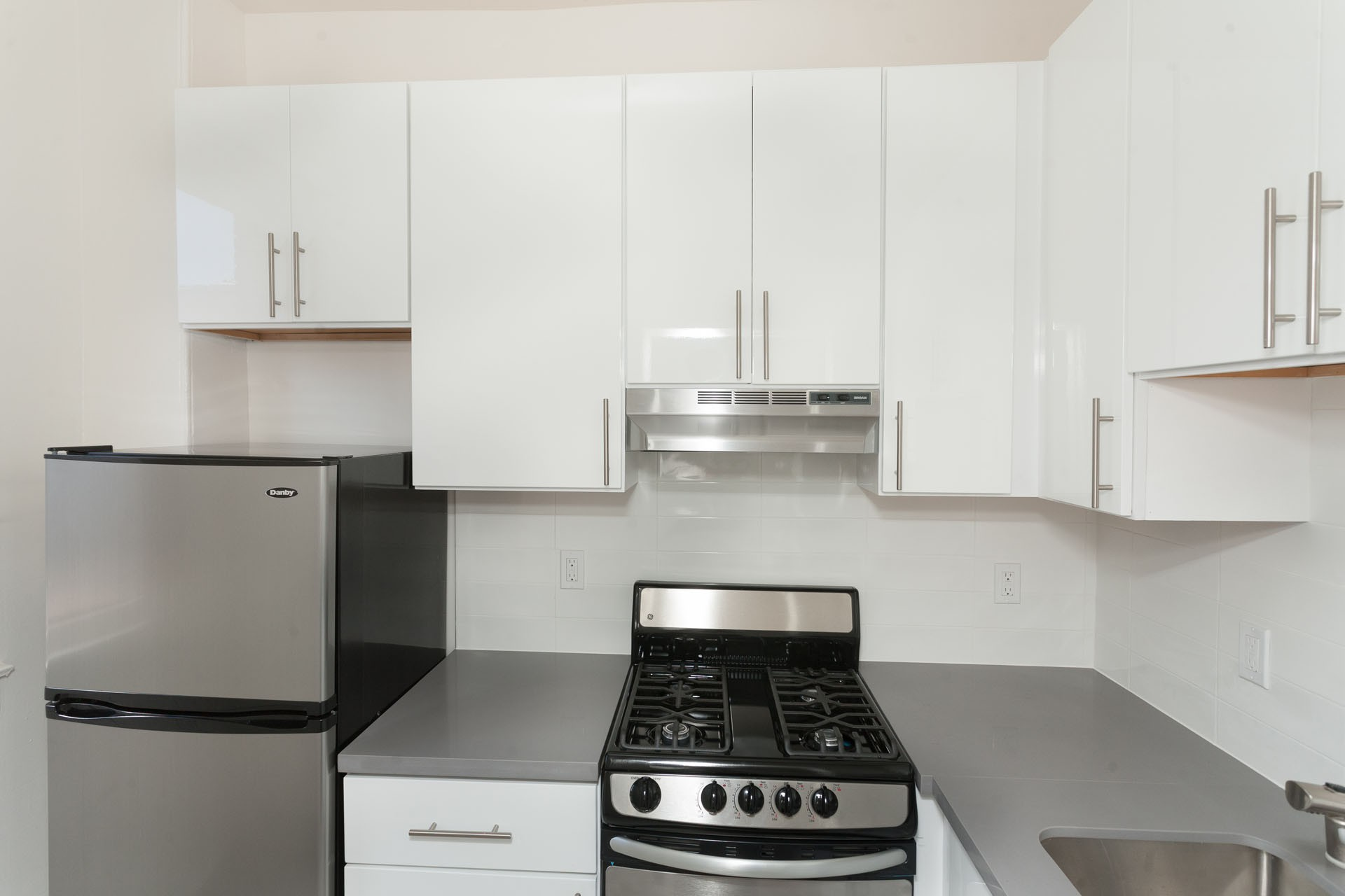920 LEAVENWORTH Apartments rental