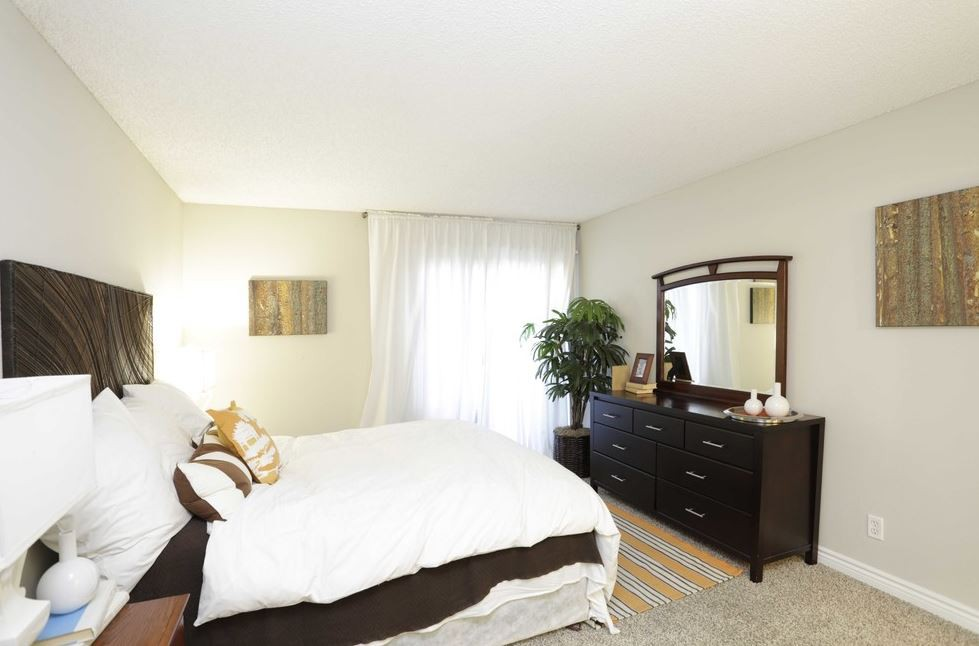 GRAND APARTMENTS ON LINDLEY rental
