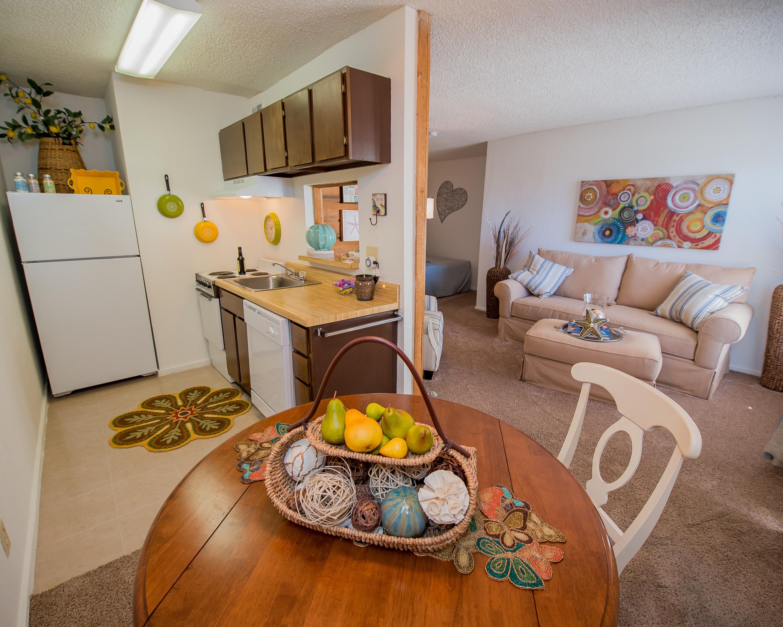 Apartments Near Friends Fox Run Apts. for Friends University Students in Wichita, KS