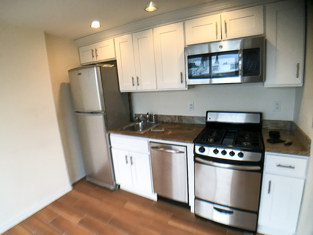 Apartments Near LIU 358 Henry Street for Long Island University Students in Brooklyn, NY