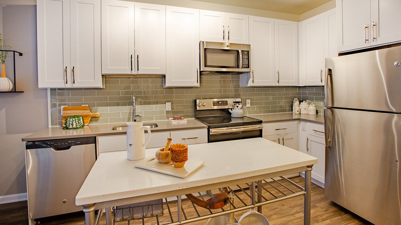 Apartments Near CSE Modera 55 for College of Saint Elizabeth Students in Morristown, NJ