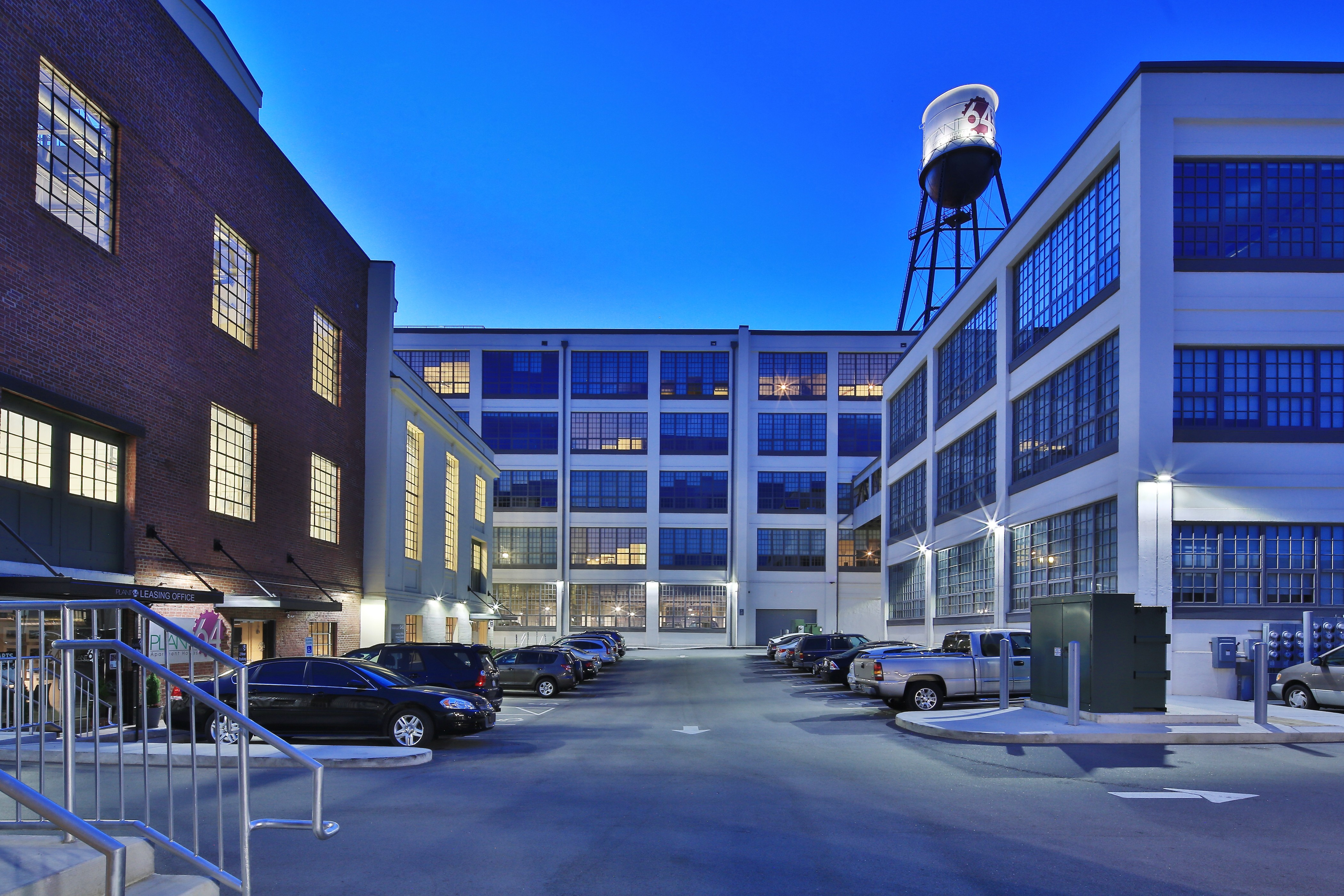 Apartments Near HPU Plant 64 for High Point University Students in High Point, NC