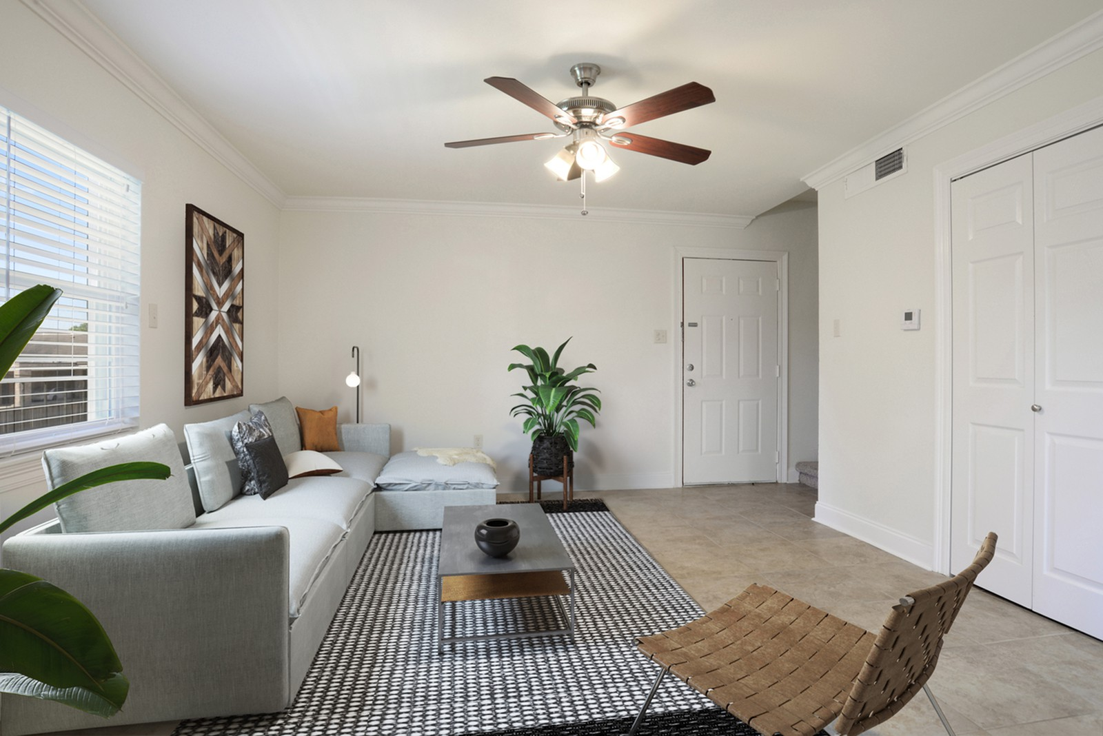 Apartments Near OLOLC The Warwick - Utilities Included for Our Lady of the Lake College Students in Baton Rouge, LA