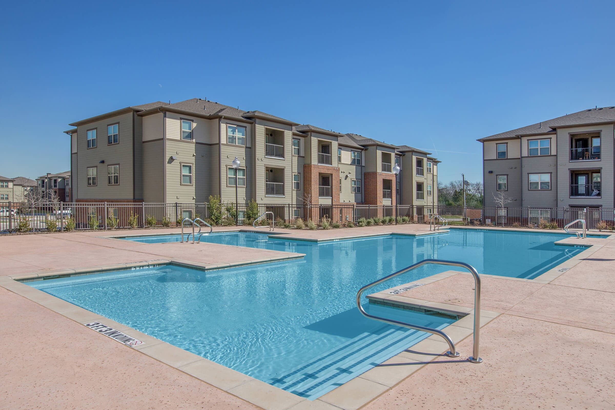 Apartments Near PQC Hutchins Gateway for Paul Quinn College Students in Dallas, TX