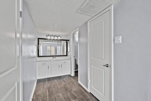 Eleven600 Apartments