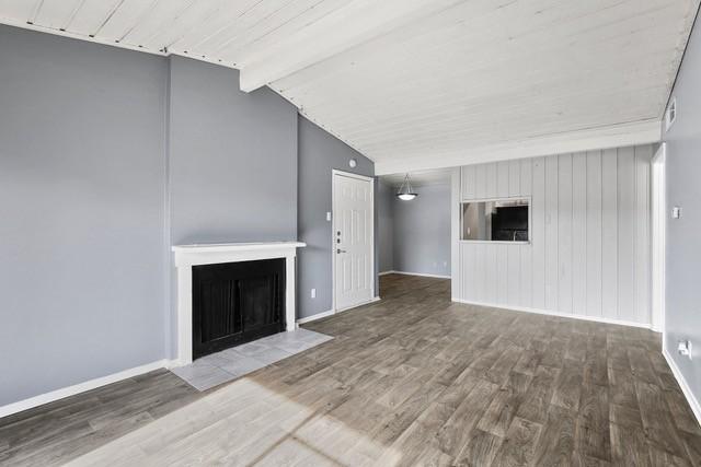 Eleven600 Apartments photo