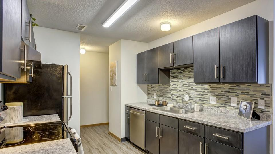 Ames Apartments Under $700 | College Student Apartments