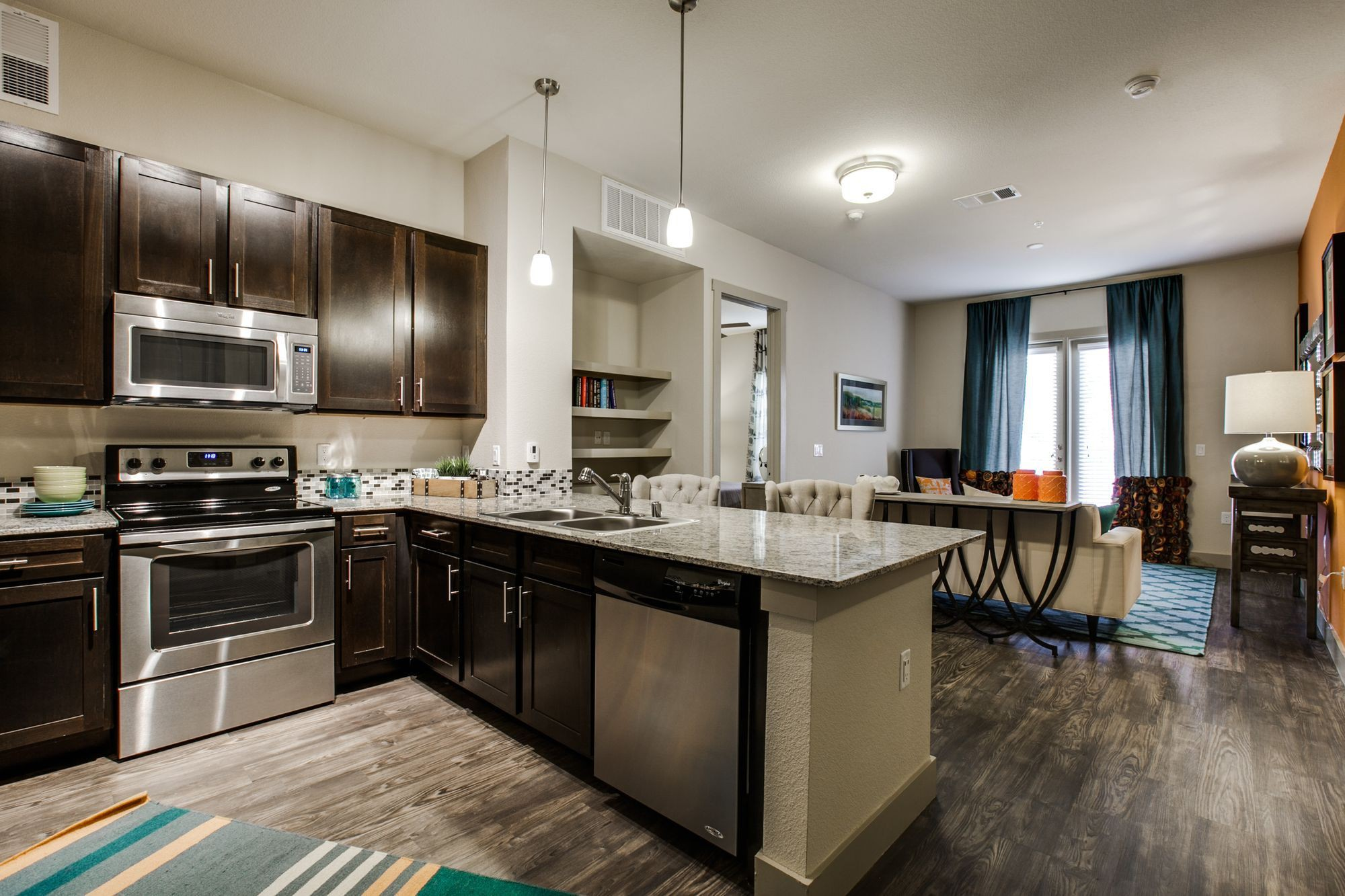 Apartments Near TCU Parkside So7 for Texas Christian University Students in Fort Worth, TX