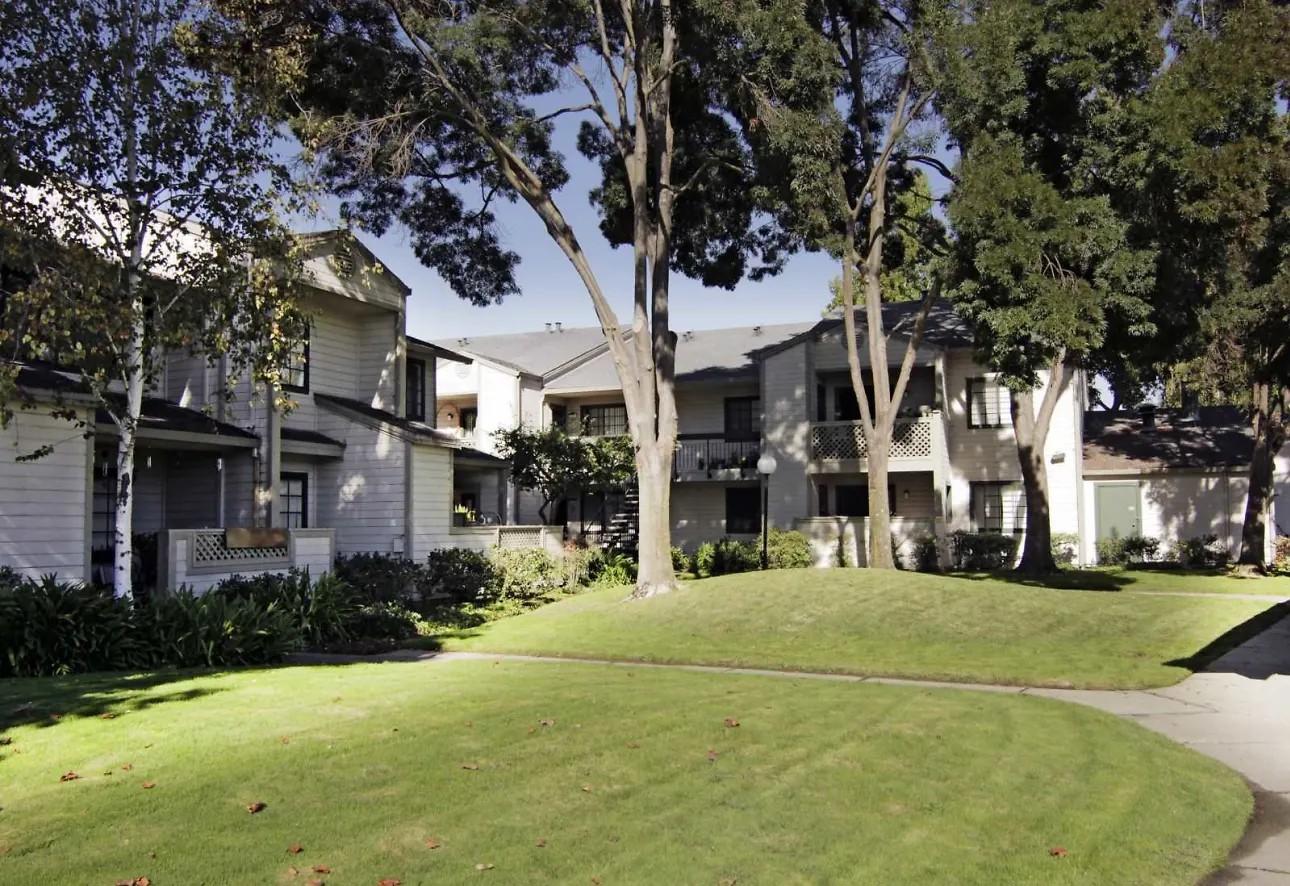 Huntwood Terrace rental