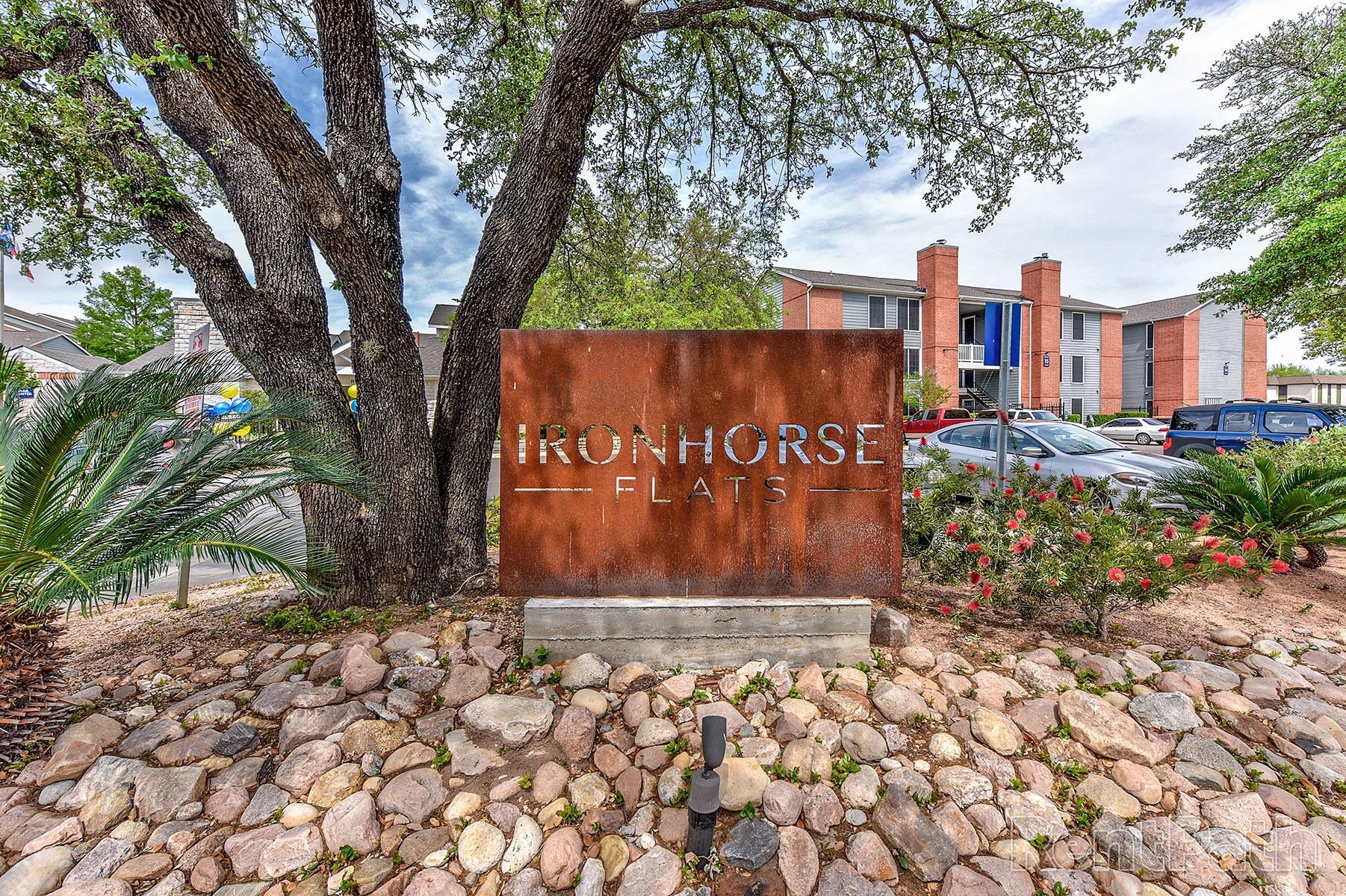 Apartments Near UT Austin Ironhorse Flats Apartments for University of Texas - Austin Students in Austin, TX