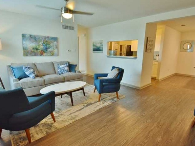 Apartments Near LSU Reserve at White Oak for Louisiana State University Students in Baton Rouge, LA
