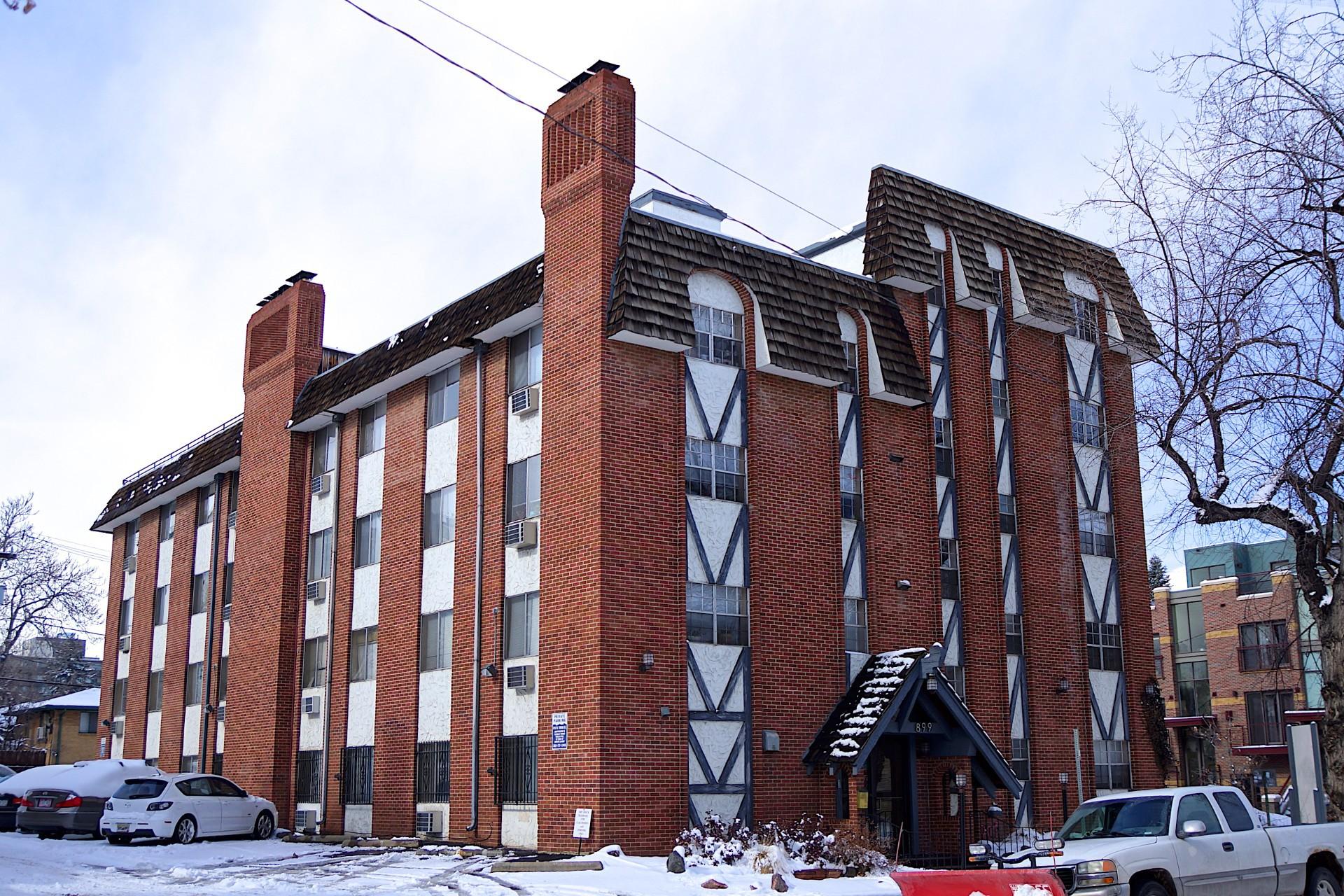 899 Washington Street Apartments