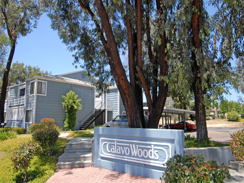 Live at Calavo Woods Apartments