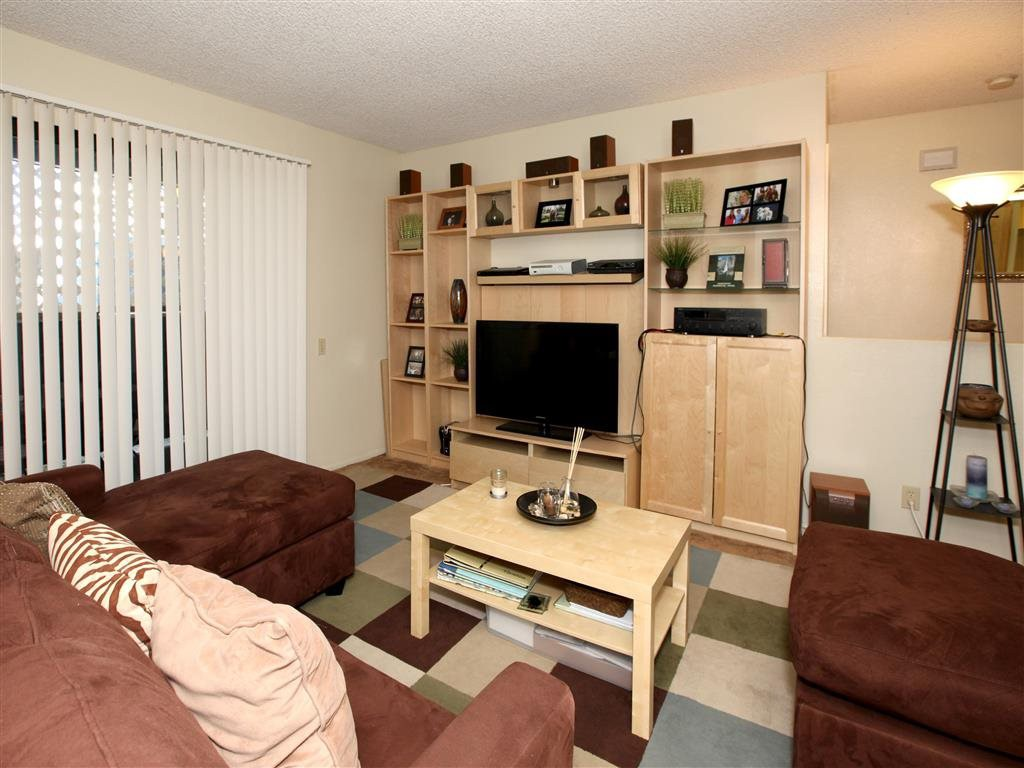 Calavo Woods Apartments