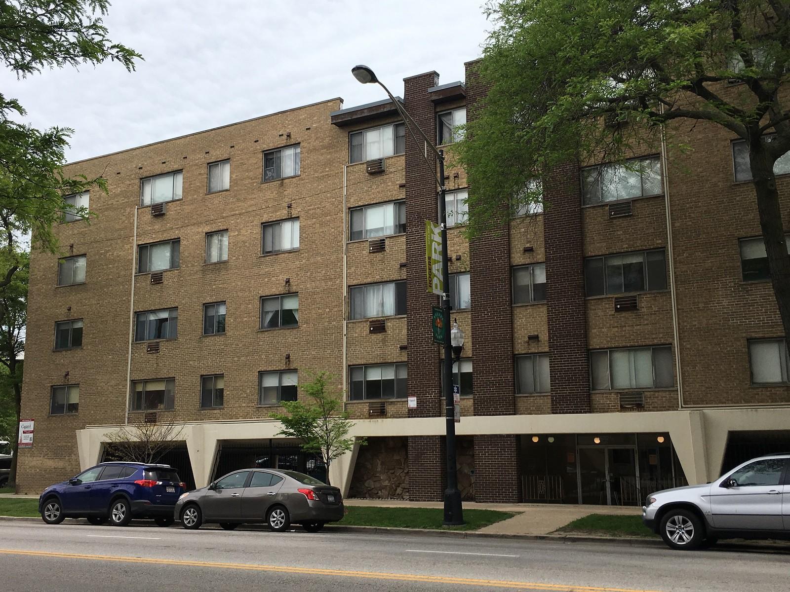 6825 N. Sheridan Rd rental