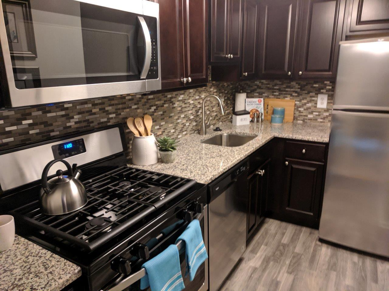 Sherwood Crossing Apartments & Townhomes photo