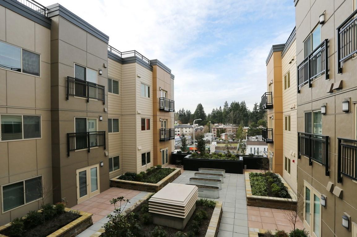 Apartments Near UW The Savoy at Lake City - Senior Housing for University of Washington Students in Seattle, WA