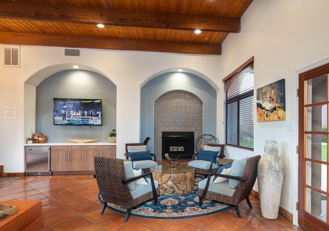 Apartments Near ASU Salado Springs for Arizona State University Students in Tempe, AZ