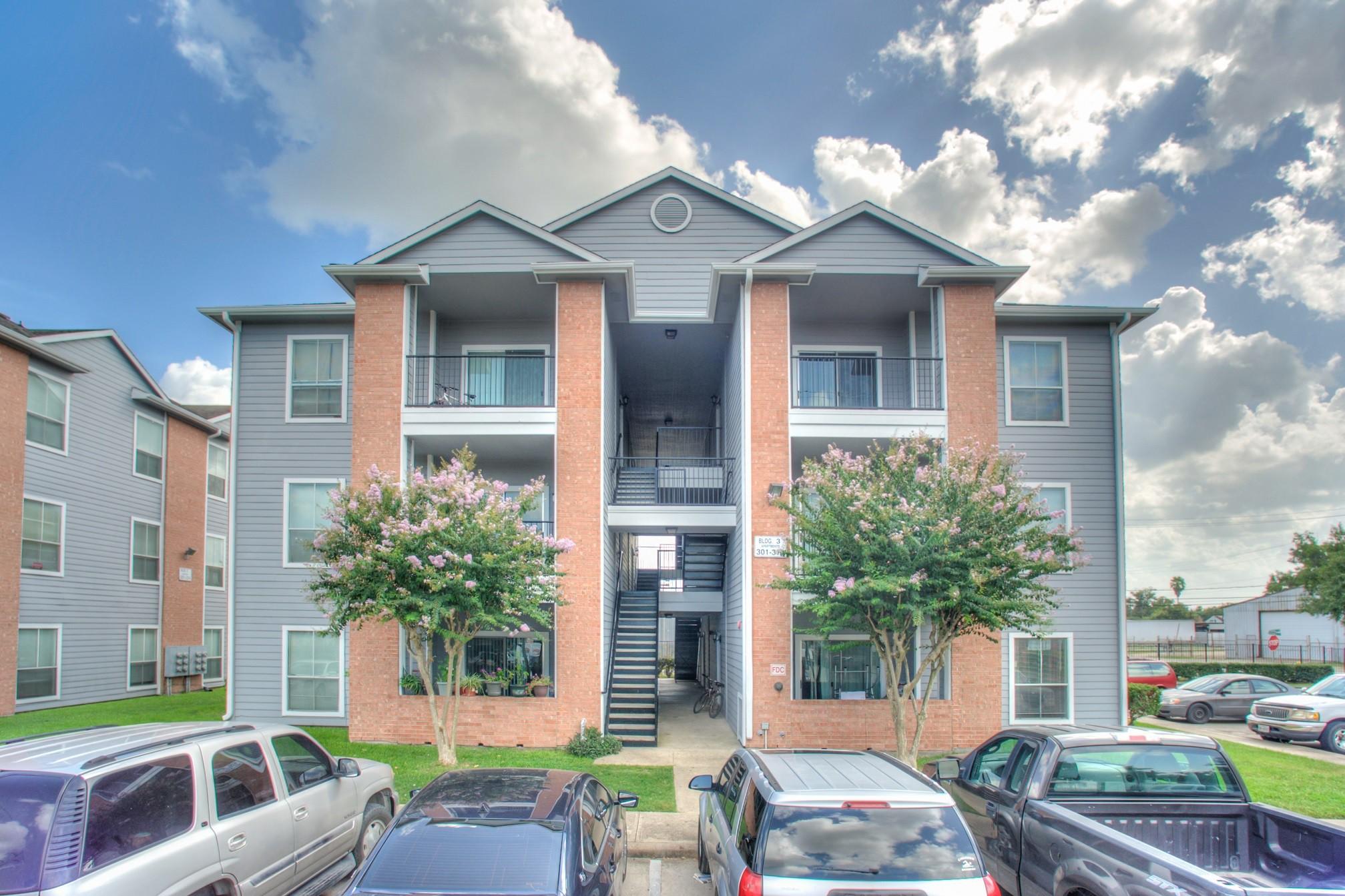 Apartments Near UH Plaza De Magnolia for University of Houston Students in Houston, TX