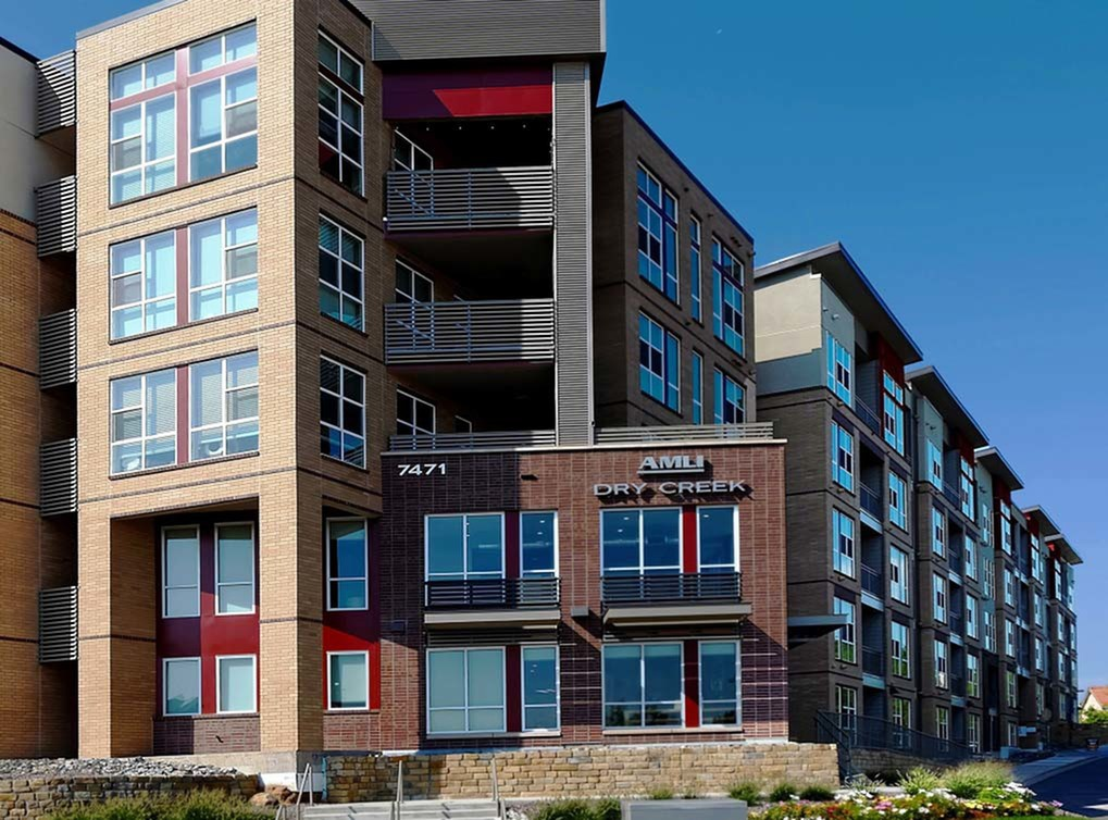 Apartments Near JIU AMLI Dry Creek for Jones International University Students in Centennial, CO