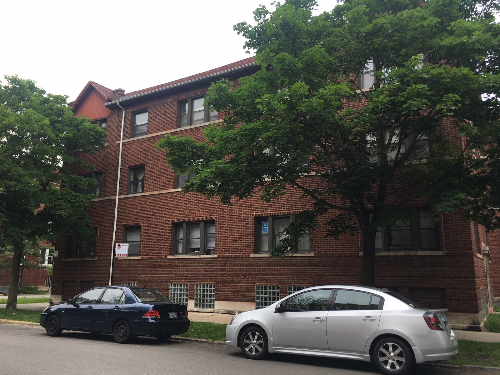 1352-58 W. Early/1333-41 Ardmore for rent