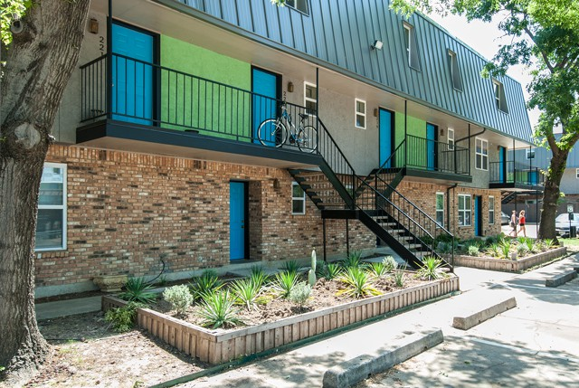 Denton Student Housing (PRICING IS PER BED)