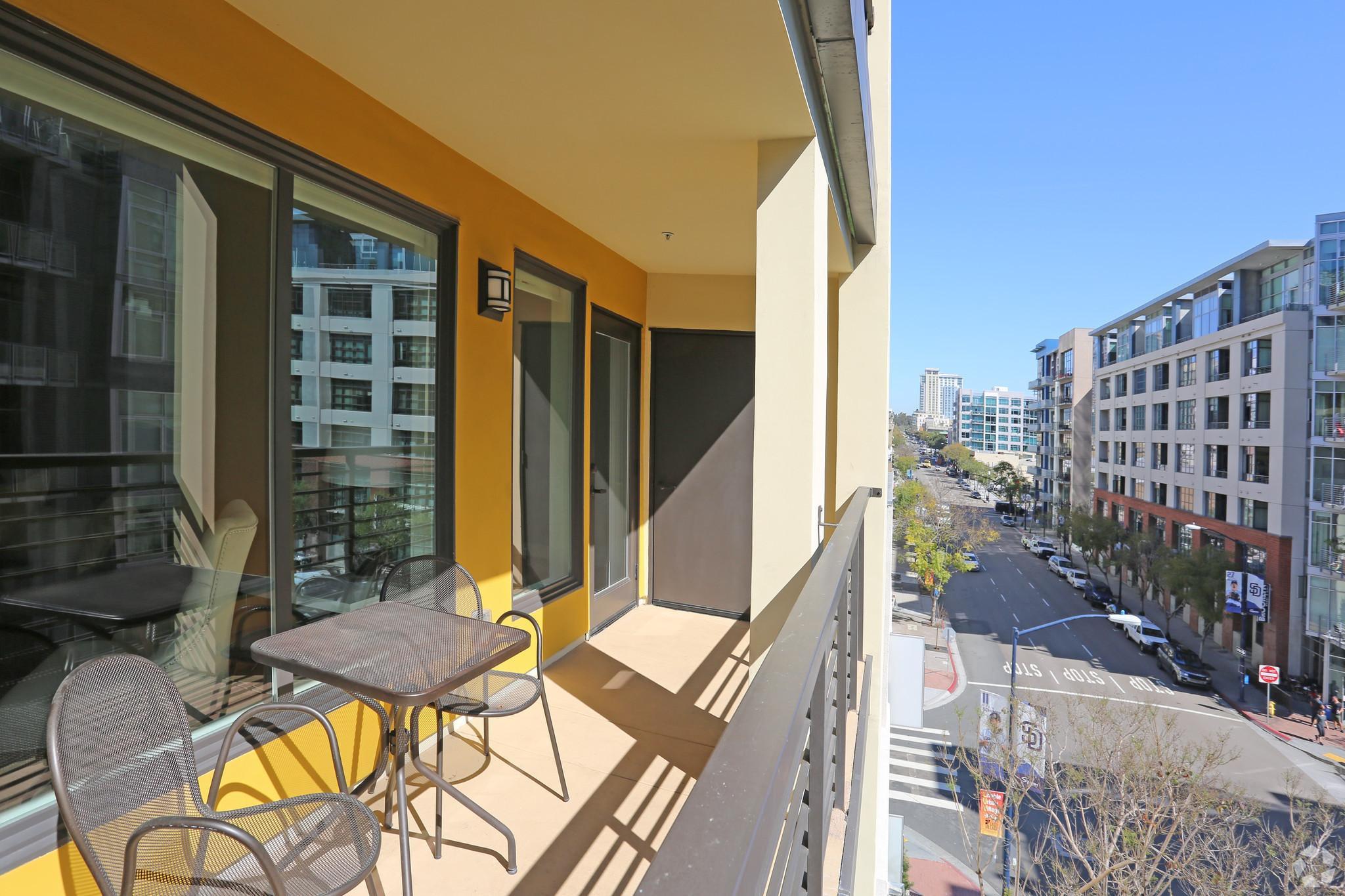 The Urbana Apartments photo