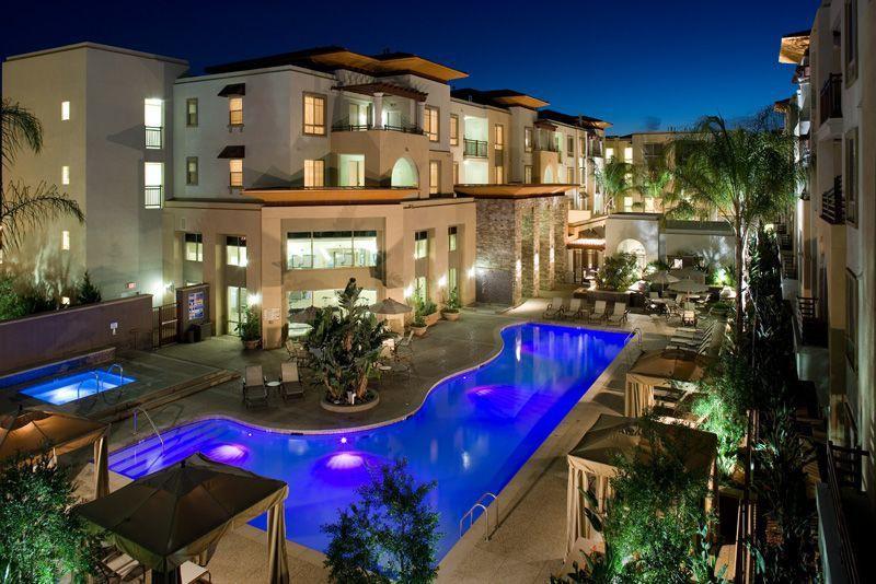 Apartments Near Los Angeles Triana Apartments for Los Angeles Students in Los Angeles, CA