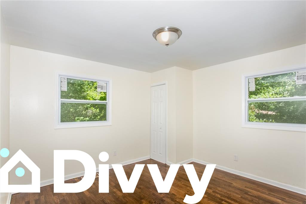 647 Alfred Road Nw rental