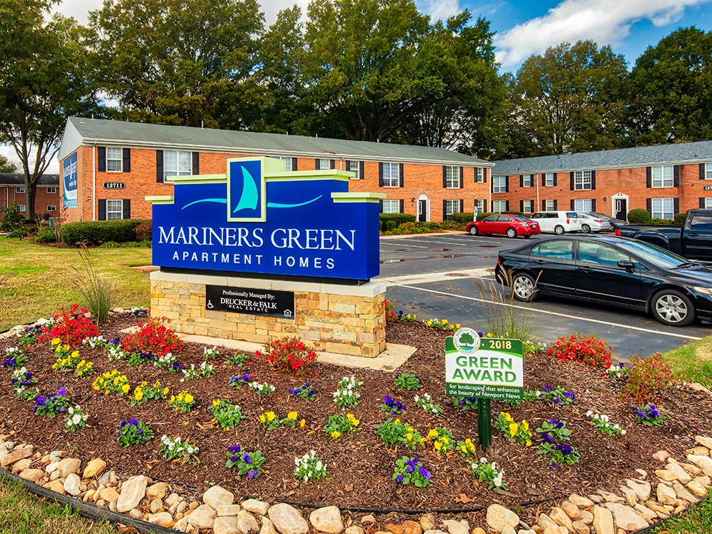 Apartments Near CNU Mariners Green Apartments for Christopher Newport University Students in Newport News, VA
