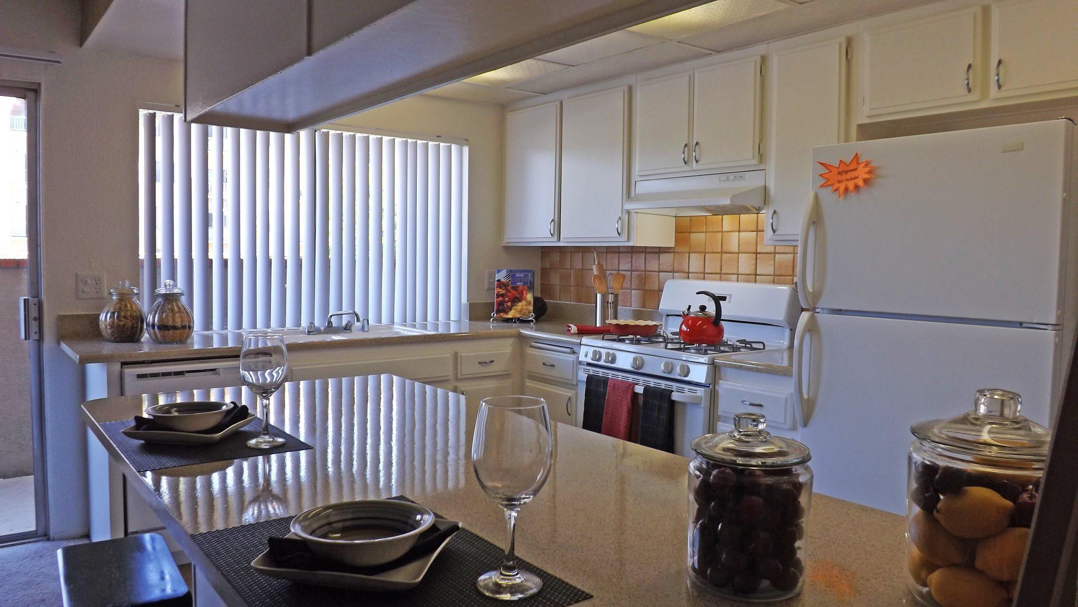 Apartments Near MSJC Amberwood Villas for Mt. San Jacinto College Students in San Jacinto, CA