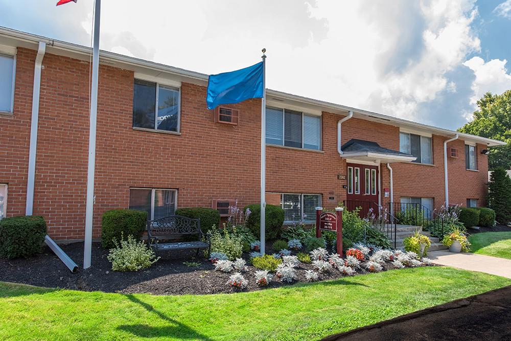 Dixon Manor Apartment Homes