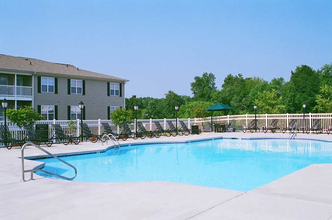 Apartments Near HPU Legacy at Twin Oaks for High Point University Students in High Point, NC