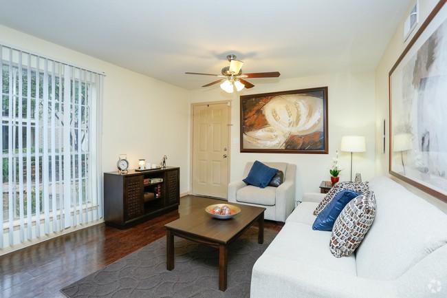 Residence at Garden Oaks rental