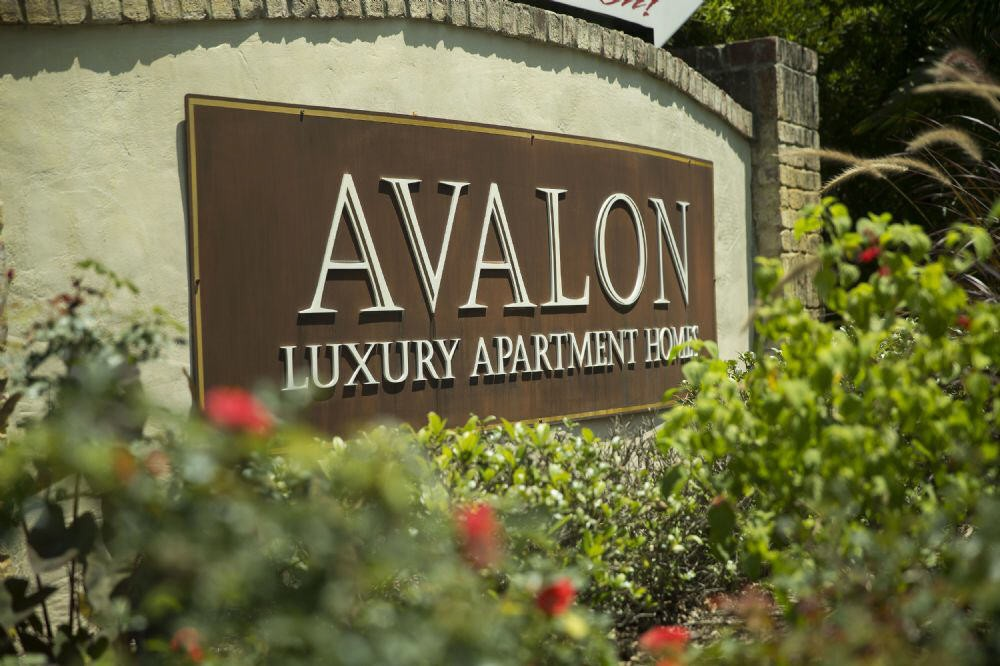 Apartments Near UNCW Avalon Apartments for University of North Carolina-Wilmington Students in Wilmington, NC