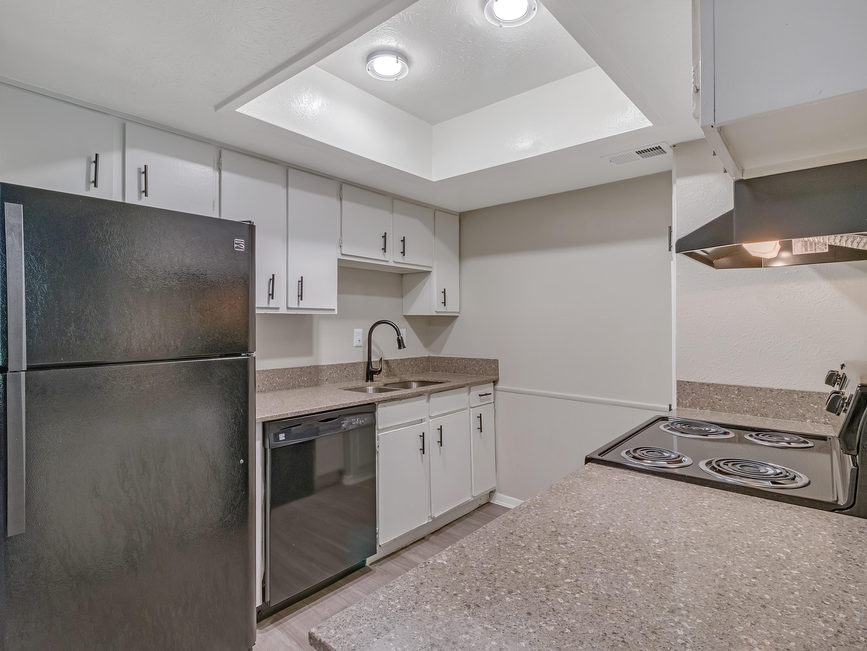Ivanhoe Apartments rental