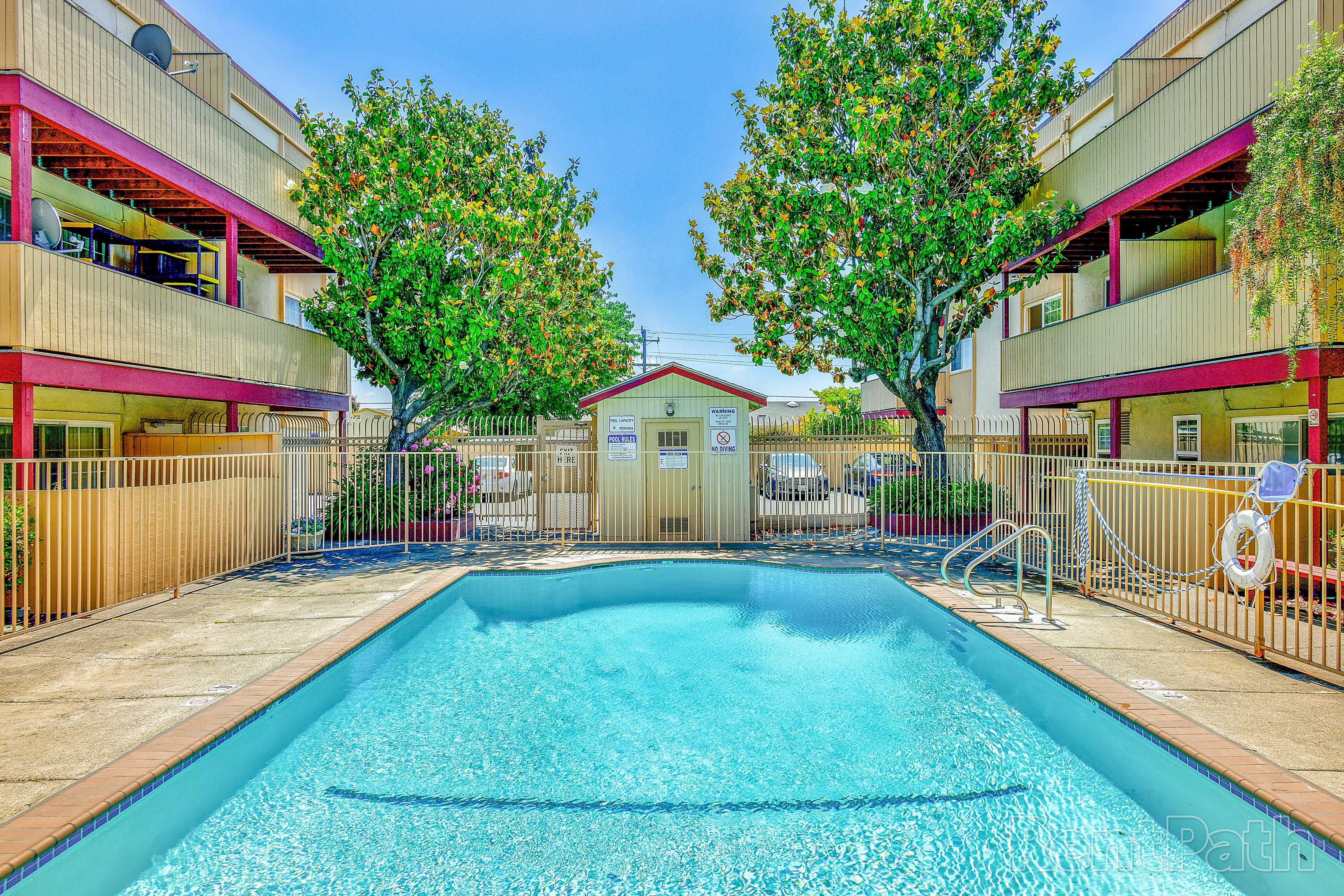 Apartments Near Chabot Sequoia Grove for Chabot College Students in Hayward, CA